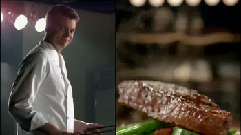 Applebee's 2 for $20 Menu TV Spot, 'He's Going for the Knockout!'