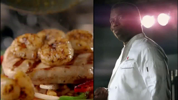 Applebee's 2 for $20 Menu TV Spot, 'He's Going for the Knockout!' - Thumbnail 4