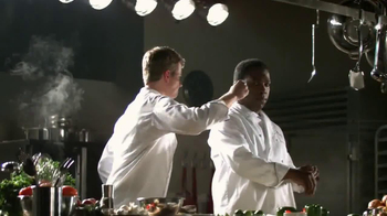 Applebee's 2 for $20 Menu TV Spot, 'He's Going for the Knockout!' - Thumbnail 8