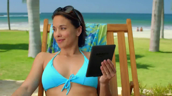 Amazon Kindle Paperwhite TV Spot, 'Poolside' Song by Cocoon - Thumbnail 6