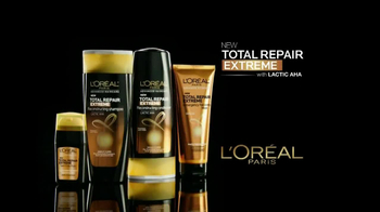 L'Oreal Paris Total Repair Extreme TV Spot Featuring Jennifer Lopez - Thumbnail 4