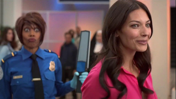 Old Navy TV Spot, 'Airport Security' Featuring Debra Wilson - Thumbnail 8