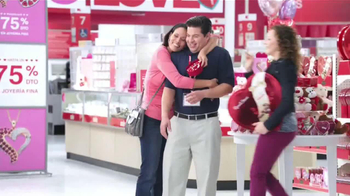 Kmart TV Spot, 'Día de San Valentín' [Spanish] - Thumbnail 4