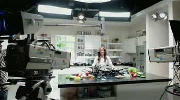 Royal Prestige TV Spot, 'Nutritivo' Con Chef Marcela Valladolid [Spanish] - Thumbnail 1