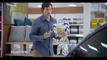 2015 Volkswagen Golf TV Spot, 'Funny or Die: The Way Too Helpful Neighbor' - Thumbnail 5