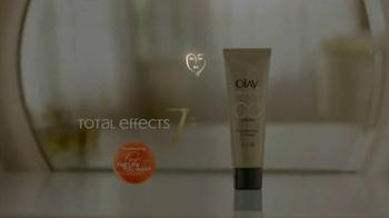 Olay Total Effects Pore Minimizing CC Cream TV Spot, 'Airbrush' - Thumbnail 10