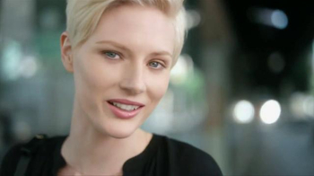 Olay Total Effects Pore Minimizing CC Cream TV Spot, 'Airbrush' - 2010 commercial airings