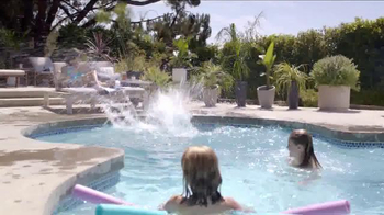 Big Fish Casino TV Spot, 'Living Large: Pool' - Thumbnail 4
