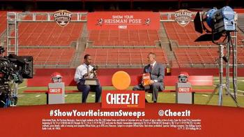 Cheez-It Heisman Pose TV Spot, 'Trophy' - Thumbnail 9
