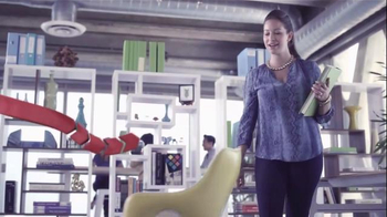 Garmin vívofit TV Spot, 'Join the Movement: Office' - Thumbnail 7