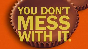 Reese's TV Spot, 'Eat It' Song by Generationals