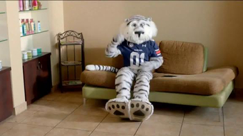 Capital One Mascot Challenge 2014 TV Spot, 'Tan' - Thumbnail 10