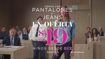 Old Navy TV Spot, 'Los Pantalones Pixie Van a la Corte' [Spanish] - Thumbnail 10