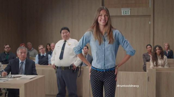 Old Navy TV Spot, 'Los Pantalones Pixie Van a la Corte' [Spanish] - Thumbnail 5