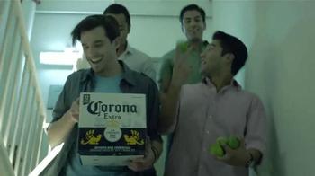 Corona Extra TV Spot, 'Balconio' [Spanish] - Thumbnail 8