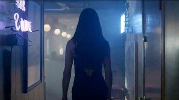 Kia TV Spot, 'Adriana Brings Futbol to a Sports Bar' Featuring Adriana Lima - 58 commercial airings