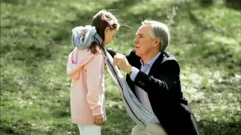 Autism Speaks TV Spot, 'Fashion' Featuring Tommy Hilfiger - Thumbnail 9