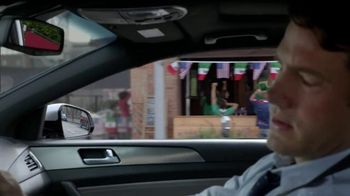 Hyundai 2014 FIFA World Cup TV Spot, 'Because Futbol: Avoidance' - Thumbnail 5