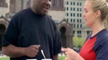 Yoplait Blueberry Greek Yogurt TV Spot, 'Taste-Off Takes on Boston' - Thumbnail 3