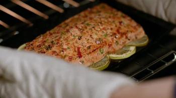 Samsung Home Appliances Chef Collection TV Spot, 'La Brulee et Le Poisson' - Thumbnail 7