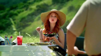Wendy's Strawberry Fields Chicken Salad TV Spot, 'Summer in a Bowl' - Thumbnail 7