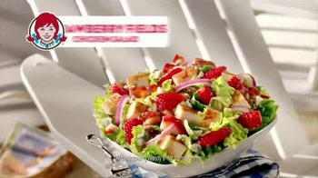 Wendy's Strawberry Fields Chicken Salad TV Spot, 'Summer in a Bowl' - Thumbnail 8