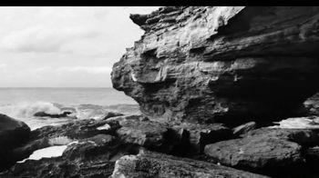 Calvin Klein Eternity TV Spot, 'Beach' Ft. Christy Turlington, Edward Burns - Thumbnail 2