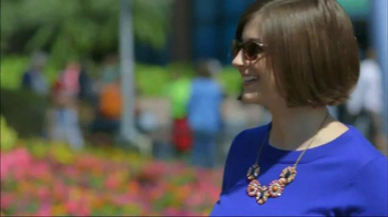 Transitions Optical TV Spot, 'HGTV Gardenista Kate English' - Thumbnail 3