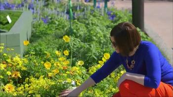Transitions Optical TV Spot, 'HGTV Gardenista Kate English' - Thumbnail 5