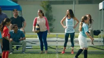 Old Navy Active TV Spot, 'Fútbol' Con Dascha Polanco [Spanish] - Thumbnail 2