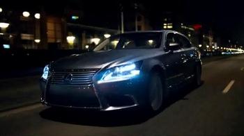 2014 Lexus LS TV Spot, 'Looking Ahead' - Thumbnail 8
