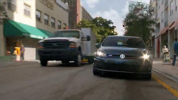 Volkswagen Golf GTI TV Spot, 'Play-By-Play' Featuring Andres Cantor - Thumbnail 3