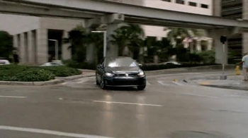 Volkswagen Golf GTI TV Spot, 'Play-By-Play' Featuring Andres Cantor - Thumbnail 8