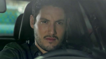 Volkswagen Golf GTI TV Spot, 'Play-by-Play' Con Andrés Cantor [Spanish] - Thumbnail 2