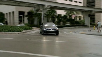 Volkswagen Golf GTI TV Spot, 'Play-by-Play' Con Andrés Cantor [Spanish] - Thumbnail 9