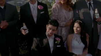 Modelo Especial TV Spot, 'Matrimonio' [Spanish] - Thumbnail 8