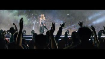 T-Mobile TV Spot, 'Cambiando las reglas del juego' con Shakira [Spanish] - Thumbnail 6