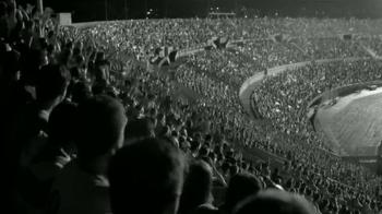 Budweiser TV Spot, 'Celebrate As One' [Spanish] - Thumbnail 9