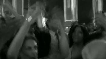 Budweiser TV Spot, 'Celebrate As One' [Spanish] - Thumbnail 8