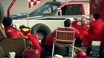 GEICO TV Spot, 'Lazy Crew' Featuring Casey Mears - Thumbnail 4