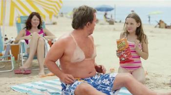 Cheetos TV Spot, 'La Playa' [Spanish] - Thumbnail 8