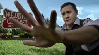 Barbasol TV Spot, 'Close-Shave Vegas' - Thumbnail 7