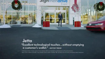 Volkswagen Sign Then Drive Event TV Spot, 'Holiday Season is Here' - Thumbnail 4