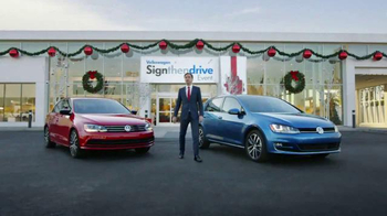 Volkswagen Sign Then Drive Event TV Spot, 'Holiday Season is Here' - Thumbnail 7