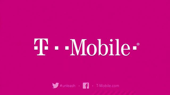 T-Mobile TV Spot, 'Hottest Holiday Gifts' - Thumbnail 9