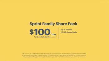 Sprint Family Plan TV Spot, 'Best Family Plan Ever' Song by Usher - Thumbnail 7