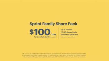 Sprint Family Plan TV Spot, 'Best Family Plan Ever' Song by Usher - Thumbnail 8