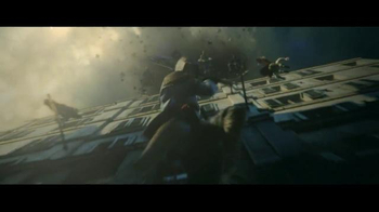 Assassin's Creed Unity TV Spot, 'Fight Together' - Thumbnail 5