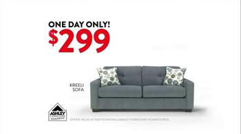 Ashley Furniture Homestore One Day Online Doorbuster TV Spot, 'November 21' - Thumbnail 6