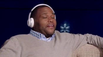 Walmart TV Spot, 'Beats Headphones' - Thumbnail 4